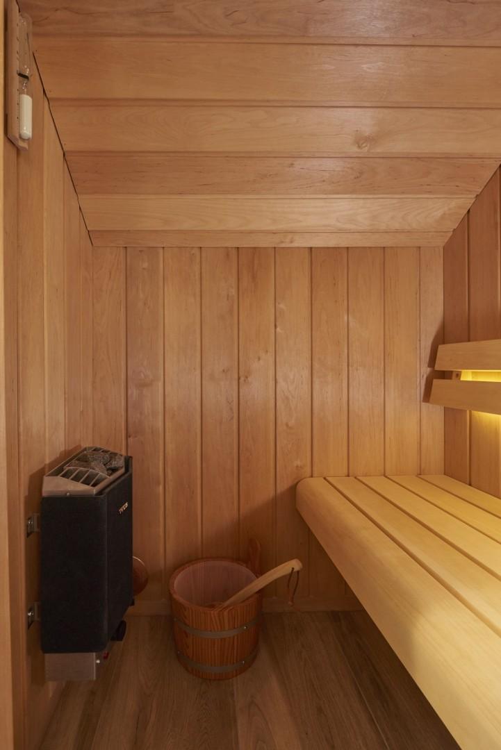 Salle De Bains Avec Sauna  Crations Gillet